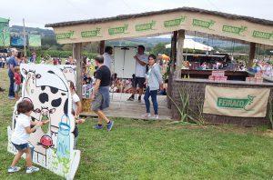 Stand Feiraco y Leche Únicla. Festival de la Luz 2016
